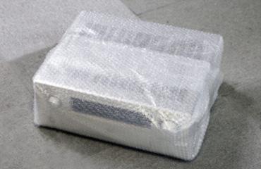 梱包方法2 本体にエアキャップで包んで下さい。